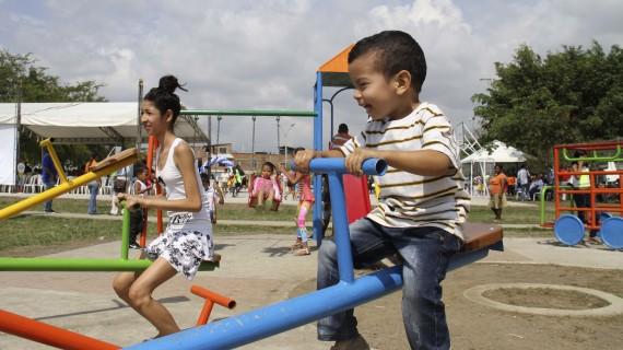 El barrio Manuela Beltrán estrenó polideportivo