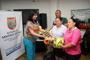 Premiación a los ganadores de los Juegos Municipales 2014 / Foto Secretaría del Deporte y la Recreación