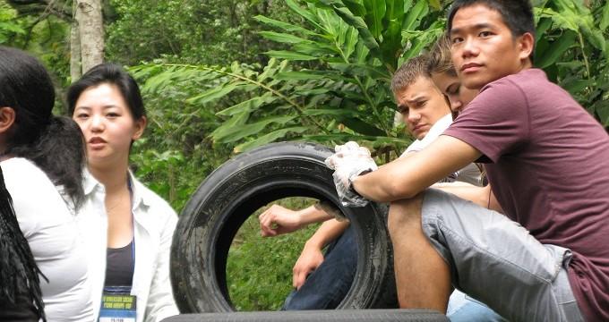 Estudiantes de la U. de San Francisco participan en proyecto ecológico en La Pedregosa