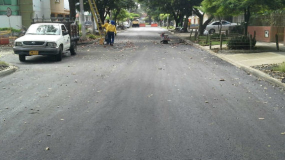 Estrenan vías en la Comuna 2