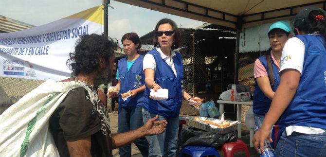 Jornada social con habitantes de la calle en Santa Elena