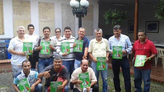 """La Sociedad de Mejoras Públicas gradúa a taxistas """"anfitriones"""" de Cali"""