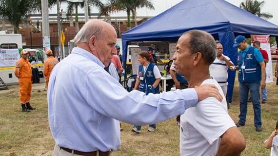 Alcalde Armitage lideró acciones sociales en Potrero Grande