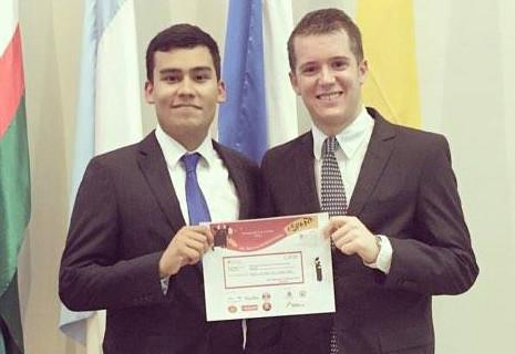 Estudiantes de Icesi ganan concurso de ponencias de la semana internacional España