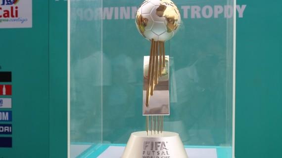 Brindis entre la Copa Mundo Futsal y la Copa Loyola