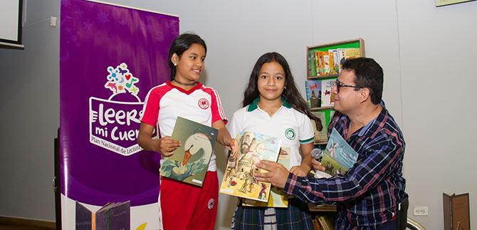 Amantes de la lectura abrieron las páginas del festival internacional