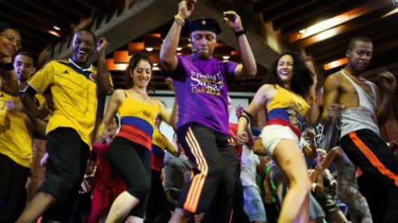 Con talleres gratuitos de baile, se inicia el Festival Mundial de Salsa