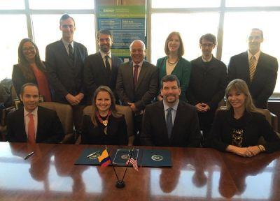 Firma de Acuerdo de Entendimiento para el Solar Decathlon 2018