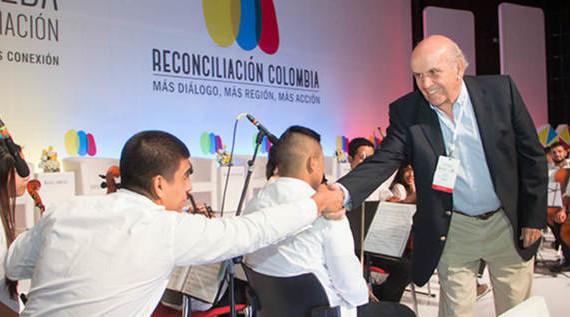 Alcalde Armitage participa en lanzamiento del Instituto Colombo-Alemán para la Paz