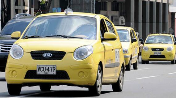 Horario de pico y placa para taxis continúa como venía rigiendo en 2015