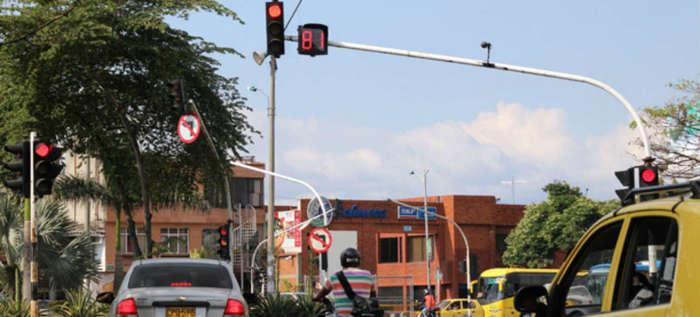 Irrespeto a la velocidad, al pico y placa y al semáforo serán sancionados también con fotomultas móviles