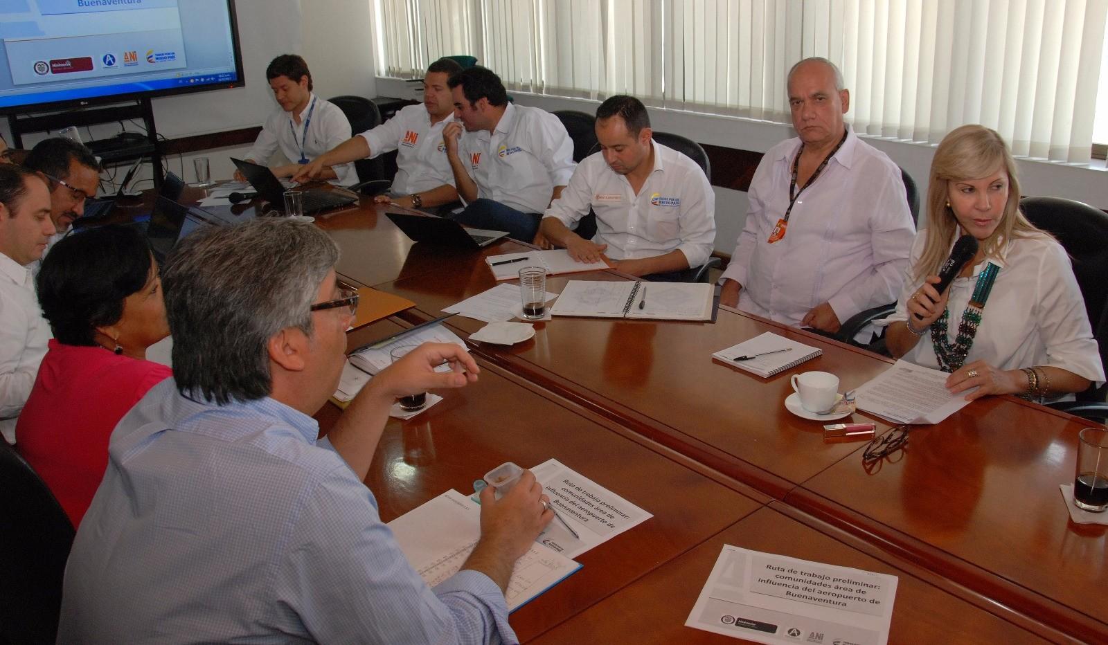 Dragado del canal de acceso a Buenaventura ya cuenta con recursos: Gobernadora del Valle