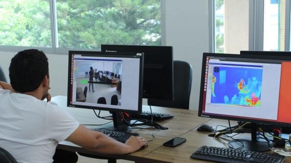 Laboratorio de Visión Artificial para adelantar proyectos de investigación en la USC