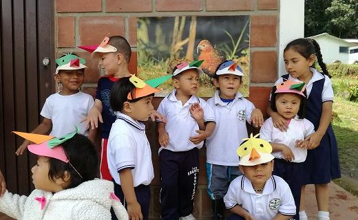 Niños del Chicoral aprenden sobre las aves de su región