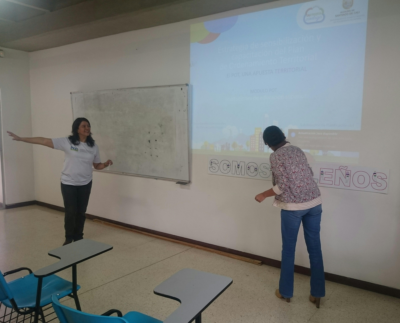 sensibilizacion del POT docentes U tres