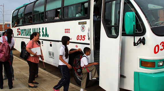 Transporte Escolar se reanudará una vez termine el paro de maestros