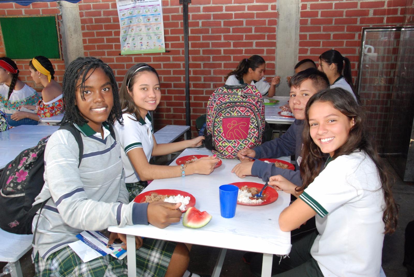 14.000 millones al programa de alimentación escolar