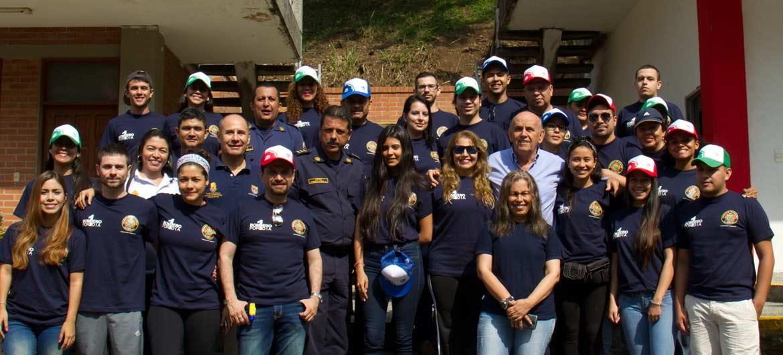 Alcalde y Perodistas zapatos bomberos dos