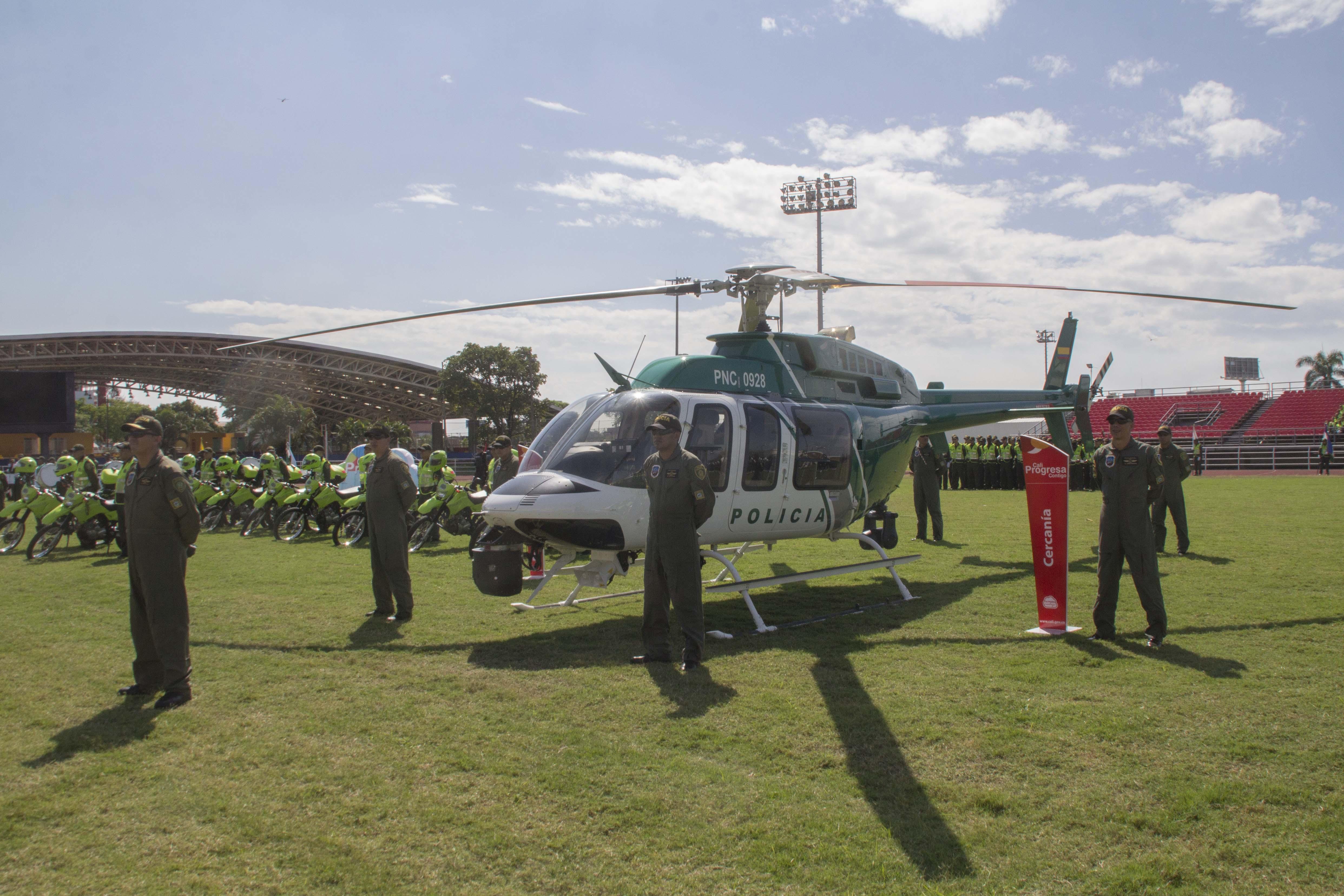 Entrega oficial Helicoptero Policia 27