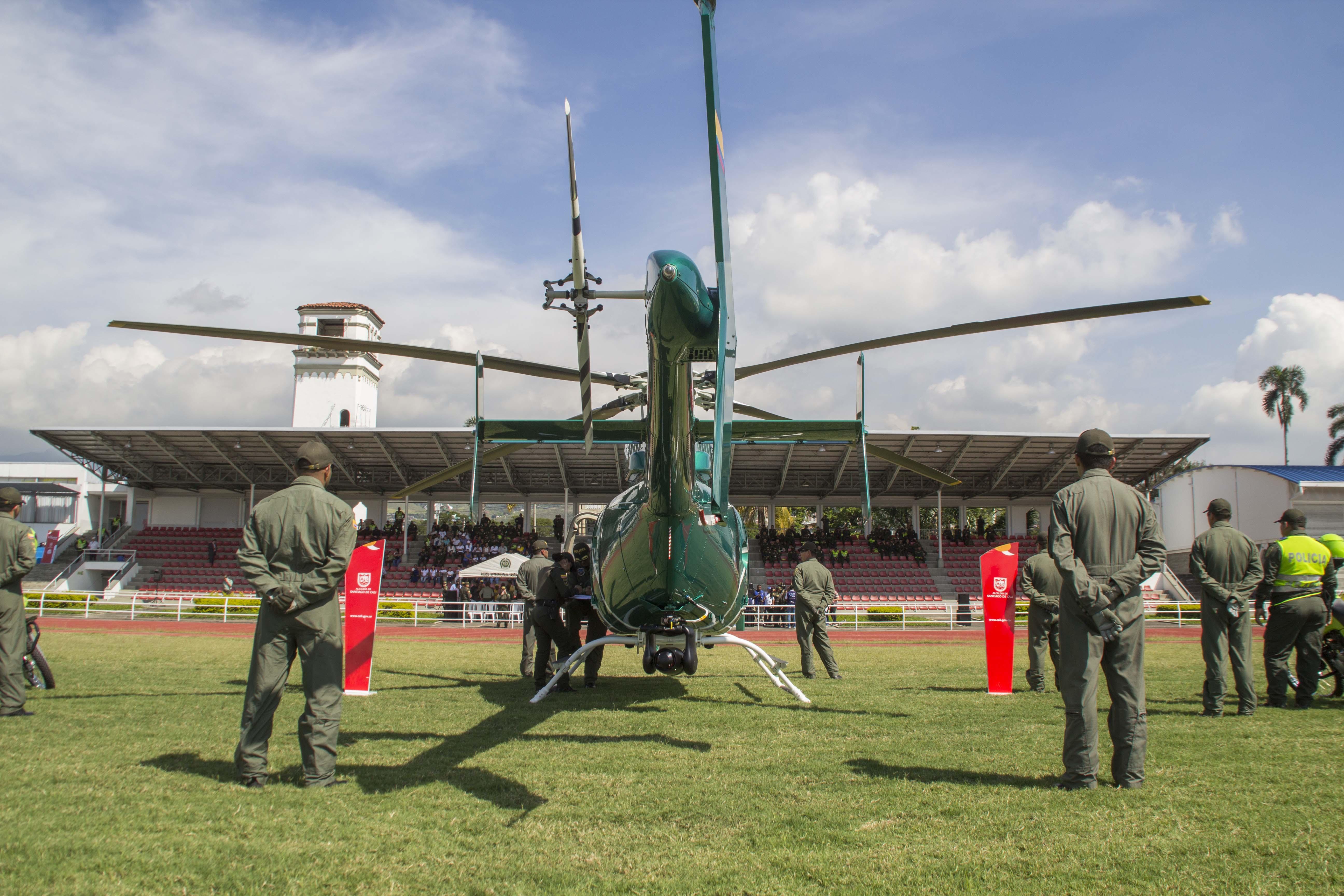 Entrega oficial Helicoptero Policia 51