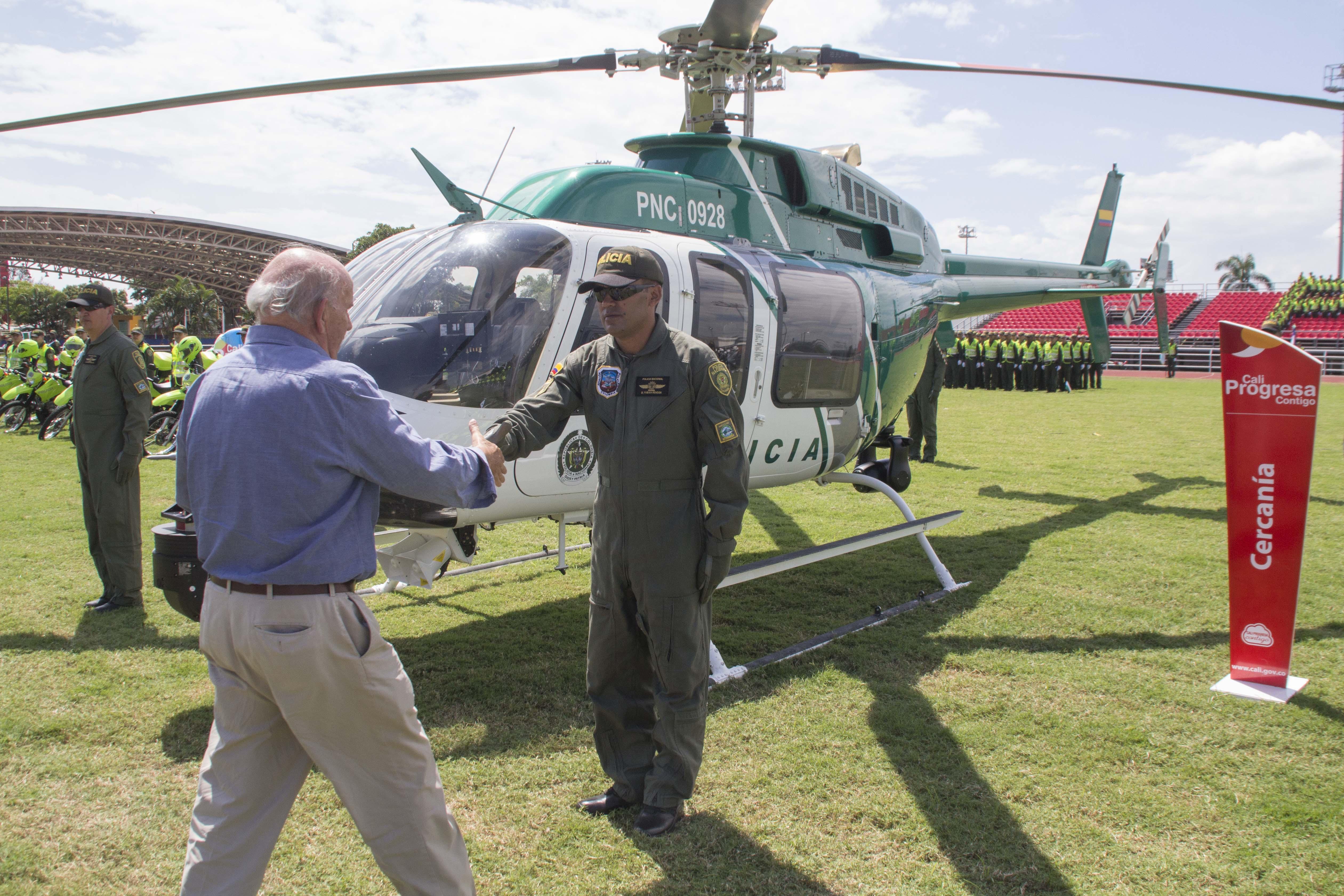 Entrega oficial Helicoptero Policia Maurice Armitage 239