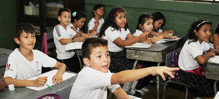 Abren matrículas instituciones educativas oficiales para niños venezolanos