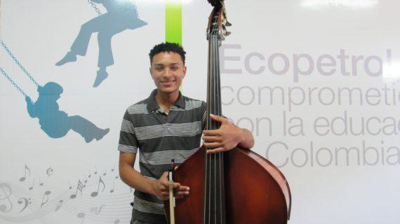 El joven que se inspiró con la música clásica en Cali