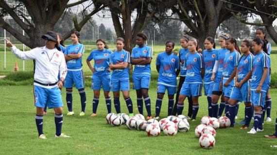 El fútbol femenino del Valle Oro Puro se vistió de tricolor