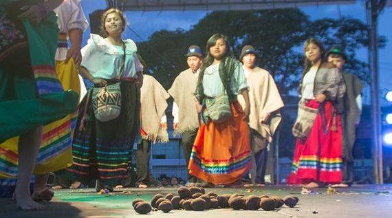 Empezaron los Talleres de danzas indígenas en la Loma de la Cruz