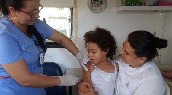 Continuan jornadas de vacunación contra la influenza