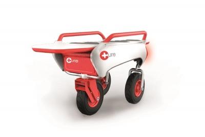 Vehículo con camilla plegable para la atención de emergencias primarias