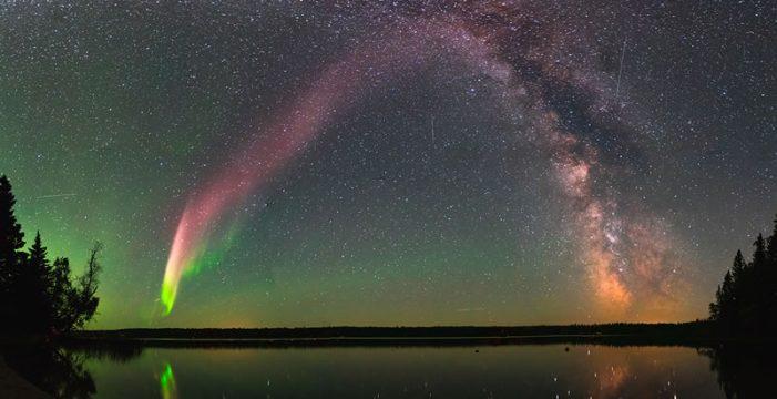 Resuelven misterio de luces púrpura en el Cielo de Canadá