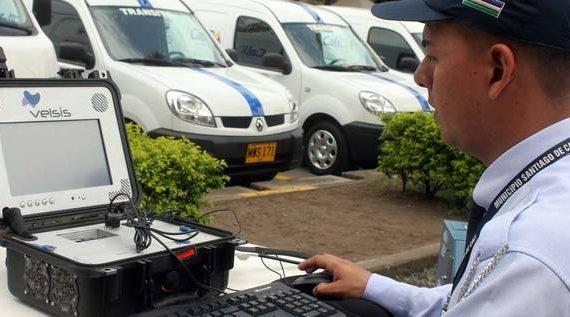 Cámaras móviles de foto detección en colegios y universidades para vehículos mal parqueados