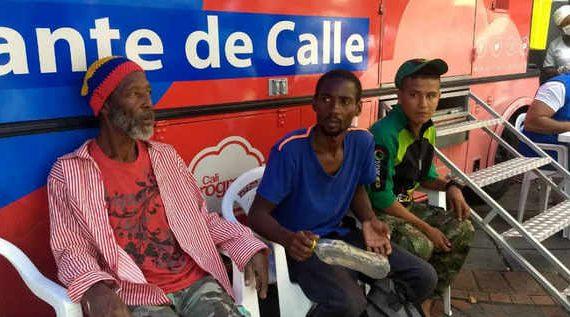 Un total de 437 atenciones se realizaron en la Plaza de Cayzedo a habitantes de calle y población vulnerable