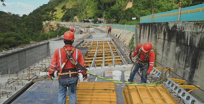 Nanotecnología reemplaza cemento en construcción vial