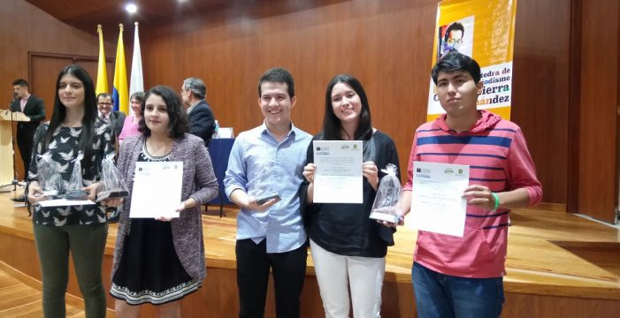Javerianos ganan premio nacional de periodismo universitario