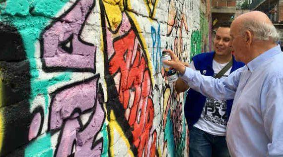 Gobierno caleño y habitantes de Petecuy unen esfuerzos para colorear la vida