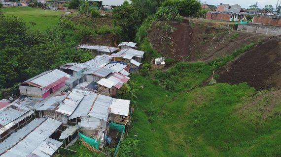 Gobernación entregó ayudas a familias afectadas por temporal en el norte del Valle