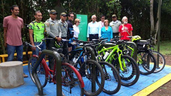 CVC entregó el primer biciparqueadero para promover uso de la bicicleta en Cali
