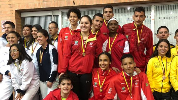 Esgrima vallecaucano brilló en Bogotá con oro, plata y bronce