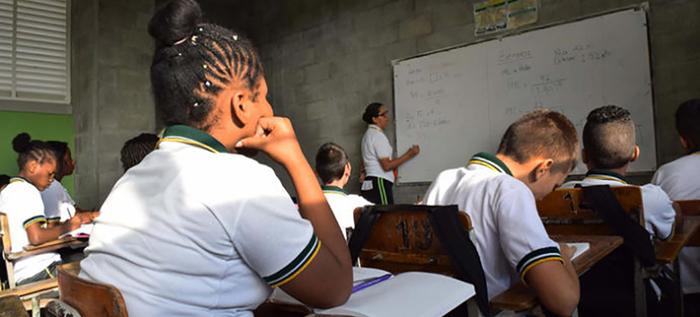 La OCDE presentó informe del sistema escolar colombiano