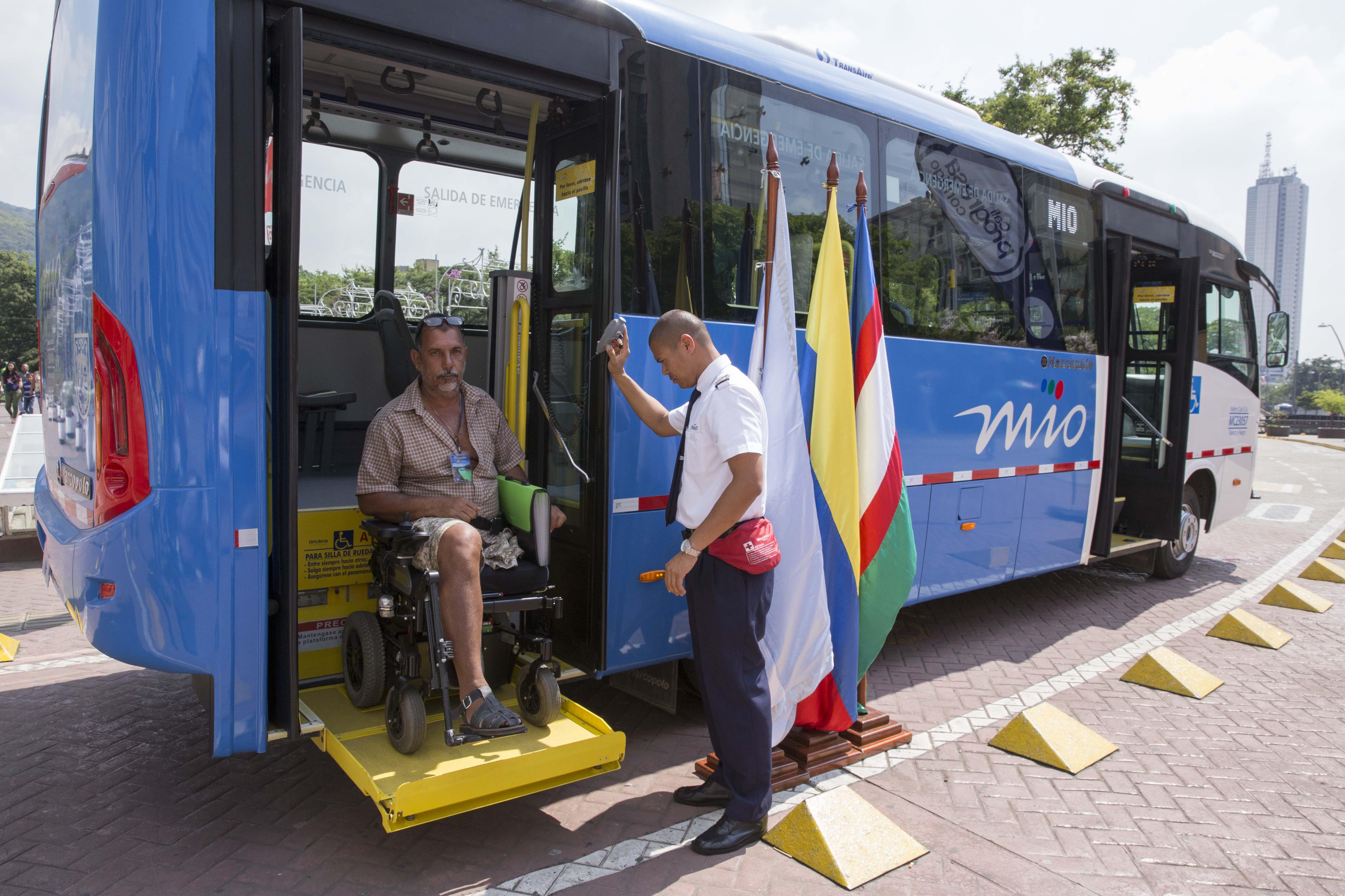 Presentan prototipo de los 52 buses duales que reforzarán el MIO