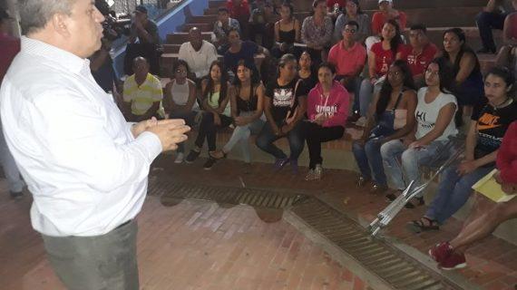 Becas universitarias para jóvenes en riesgo de Comuna 1 de Cali, entrega Gobernación del Valle