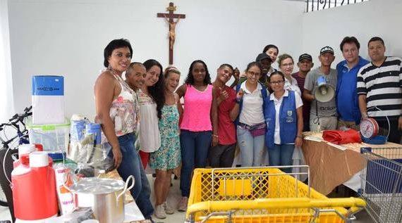 Secretaría de Bienestar Social entregó diez unidades productivas a ex habitantes de calle