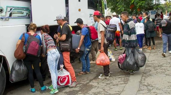 Venezolanos iniciaron salida voluntaria de zona verde en el norte de Cali