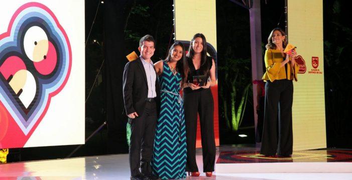 Los javerianos Daniel Camargo y Nathalia Henao ganaron el Premio de Periodismo Alfonso Bonilla Aragón