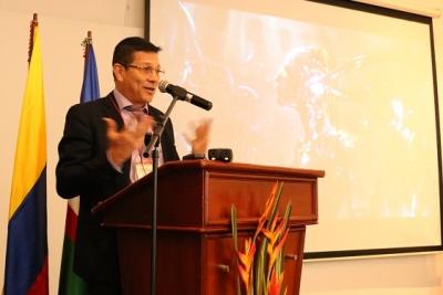 Impactos del desarrollo científico en la administración y la gobernanza se debatieron en Univalle