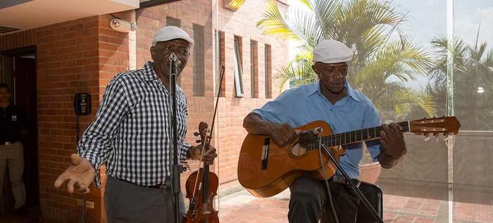 El violín caucano, una tradición que resalta en el Petronio Álvarez