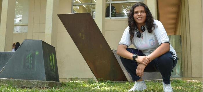 Darly Dayana García: la niña promesa de la poesía caleña
