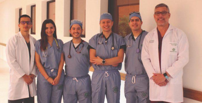 Residentes de primer año de anestesiología obtienen primeros lugares en Congreso Nacional